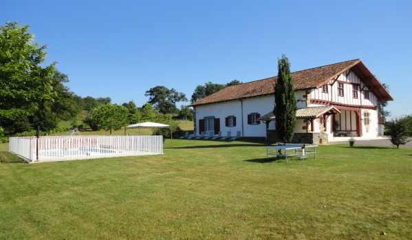location de vacance dans le département 64 Pyrénées Atlantiques type de location Gites